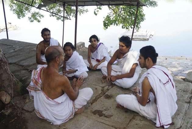 Sanskrit Village – एक ऐसा गांव जहां आज भी सिर्फ संस्कृत ही बोली जाती है