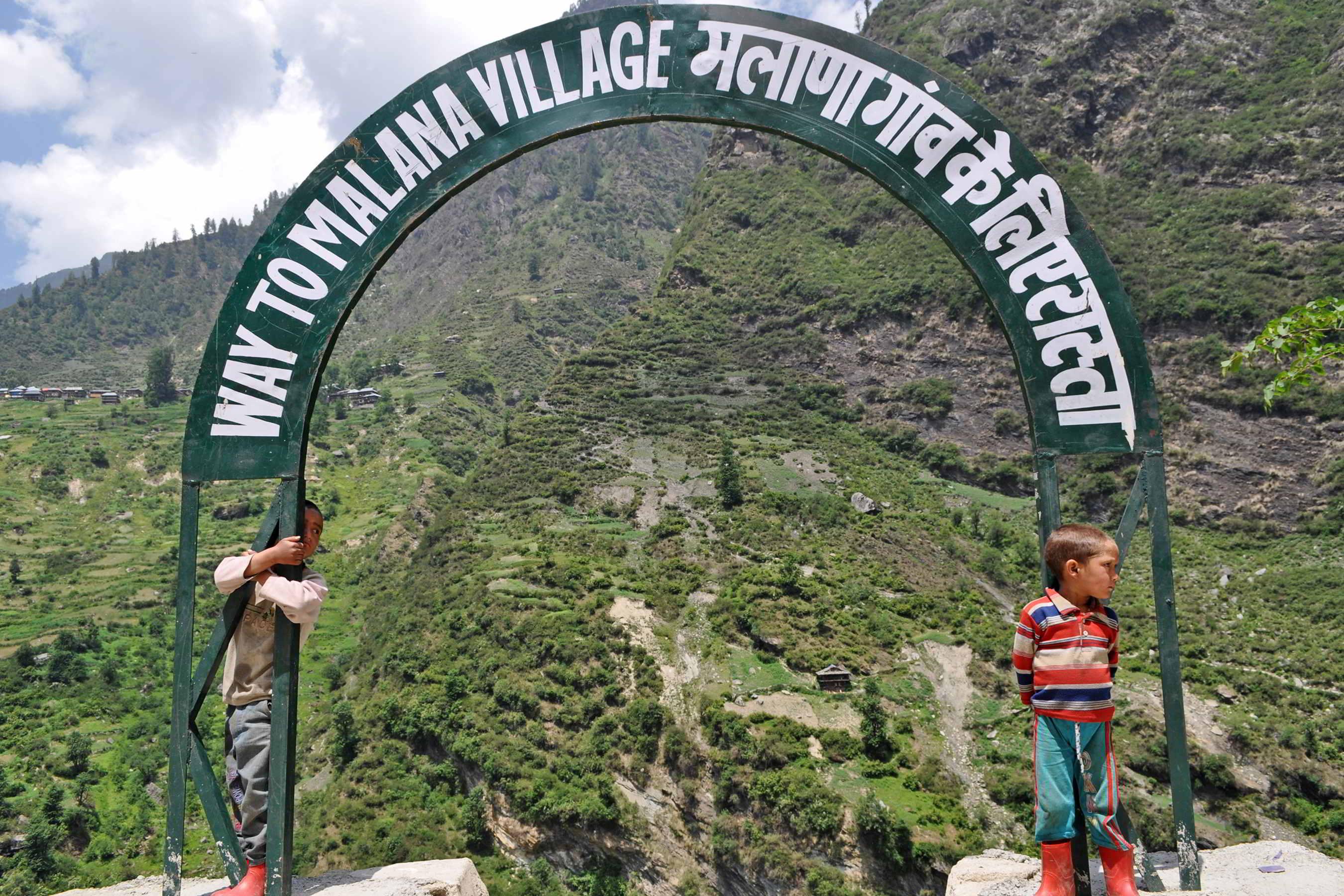 Malana Village एक ऐसा गांव जहां नहीं चलता भारत का कानून