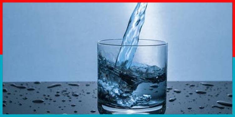 खाना खाते वक्त पानी पीना