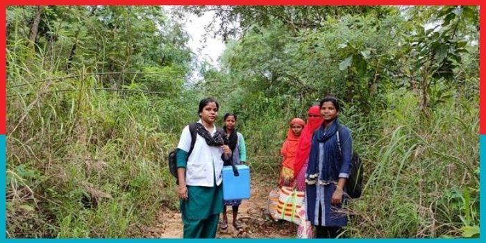 नक्सल प्रभावित इलाकों में आठ साल से काम कर रही Doctor Didi, रोज चलती हैं मीलों